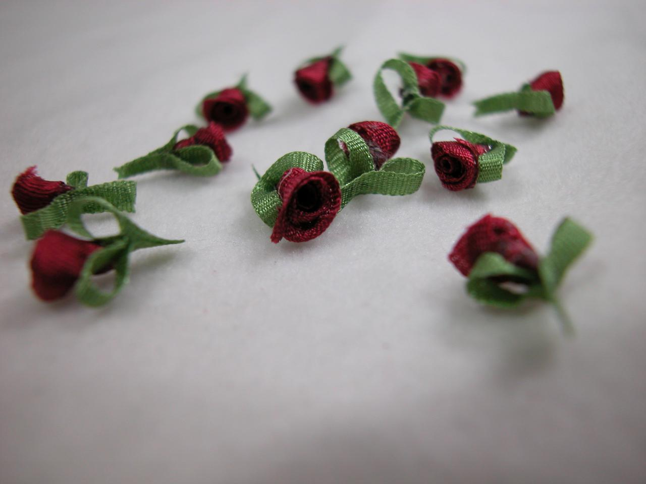 Dollhouse miniature 112 scale 5 mm hand made silk ribbon roses email a friend mightylinksfo