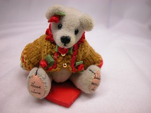 "World of Miniature Bears 2.5"" Cashmere Bear Anissa #1050 Collectible Miniature"