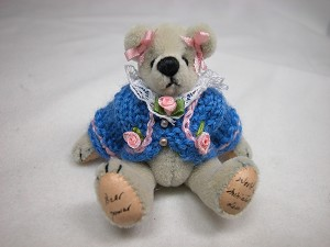 "World of Miniature Bears 2.5"" Cashmere Bear Sweet Sue #1052 Collectible Miniature"