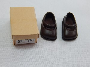 Heidi Ott Dollhouse Miniature 1:12 Scale one Pairs Teenager Shoes #XZ762 BR